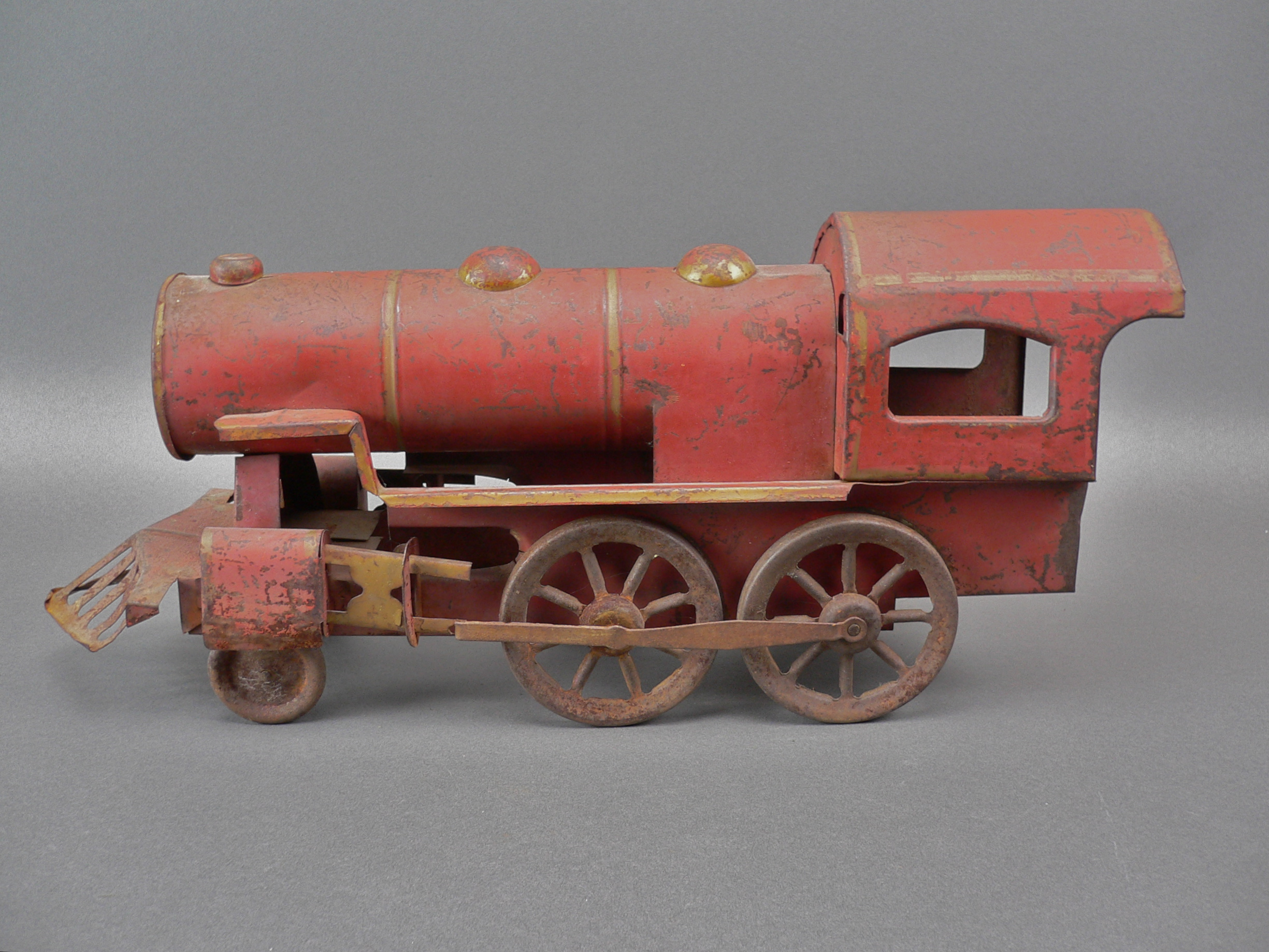 Old Toy Trains : Vintage s large scale pressed tin toy train engine