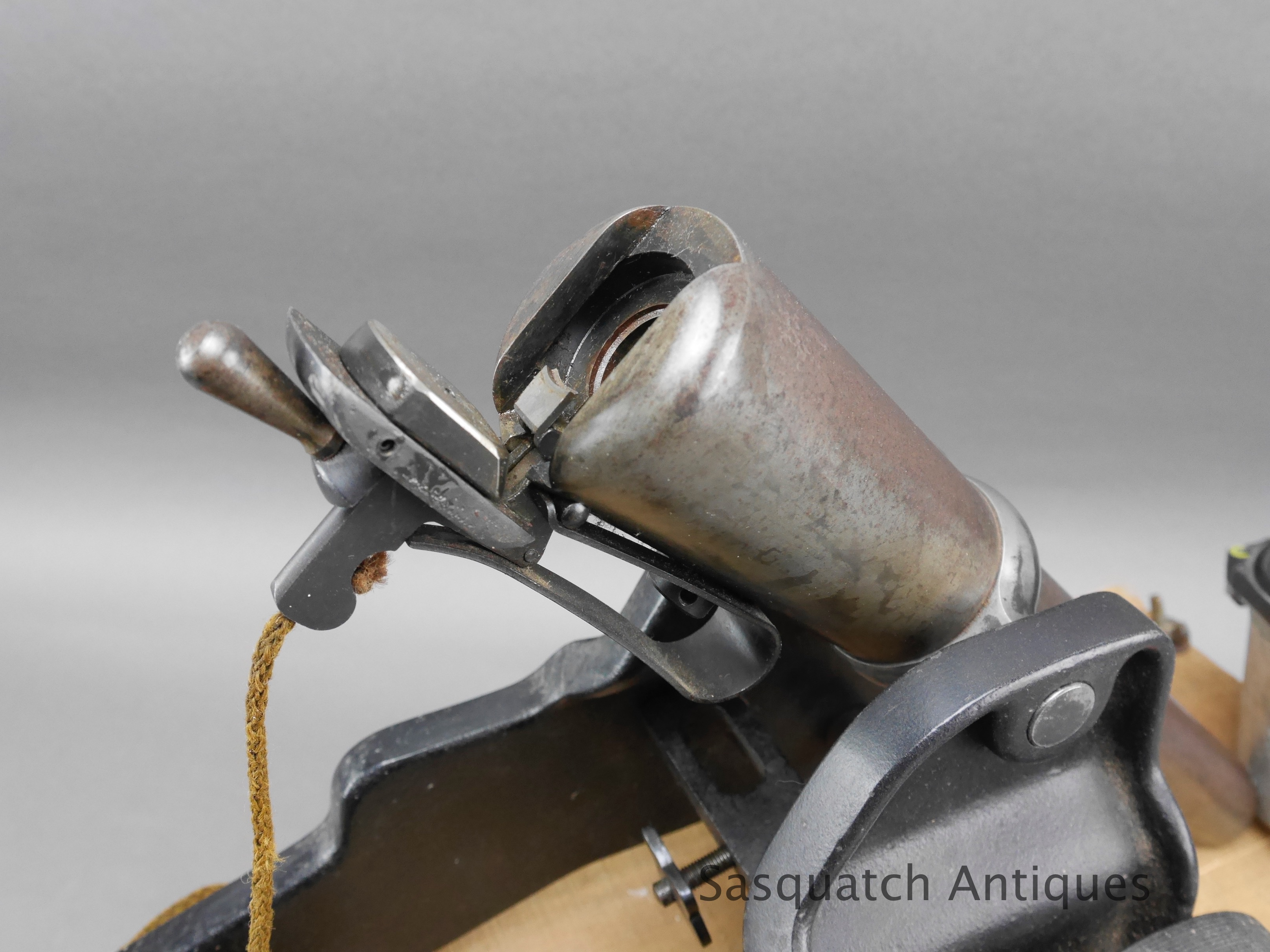 WRA Winchester 10 gauge signal cannon with wood shipping crate