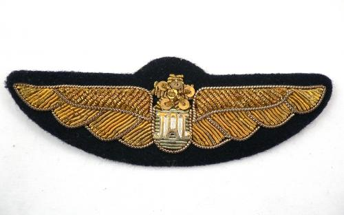 Vintage Japan airlines JAL bullion pilots wings and shoulder boards epaulettes for sale