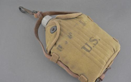 M 1910 WWI U.S. AGM Co. canteen with mounted Cavalry hangar excellent for sale