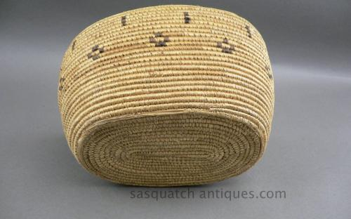 Vintage 30's oval american eskimo basket for sale