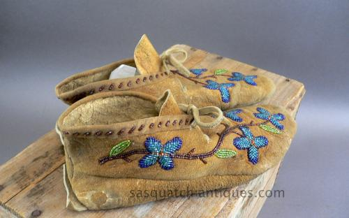 Floral pattern native american glass beaded deer hide moccasins for sale