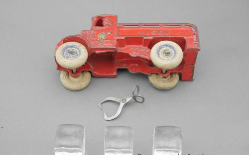 Vintage cast iron Chain drive Mack Arcade ice truck with tongs and cubes for sale